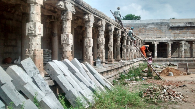 The pillared pragara on the bakside of the temple under renovation