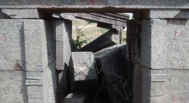 Pennalur Siva Temple - another sannidhi crumbling down -East
