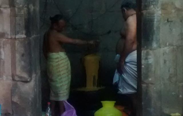 Pennalur Siva Temple - Lingam - Sandal paste abhisekam