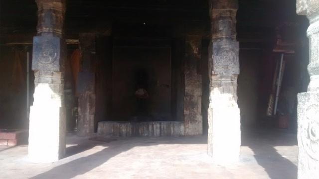 22. Tirukkadaiyur temple- backside many murtis kept- protecting deity.2
