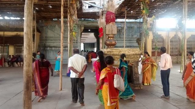 39. Tirukkadaiyur temple- going out -view
