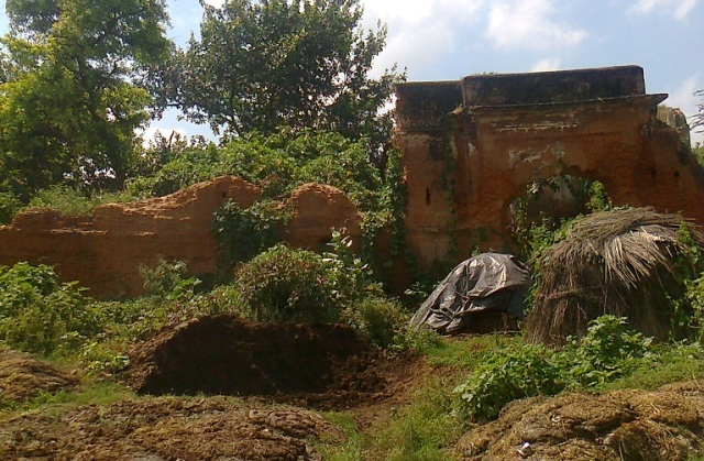 25. Ayodhya - old buiding disused