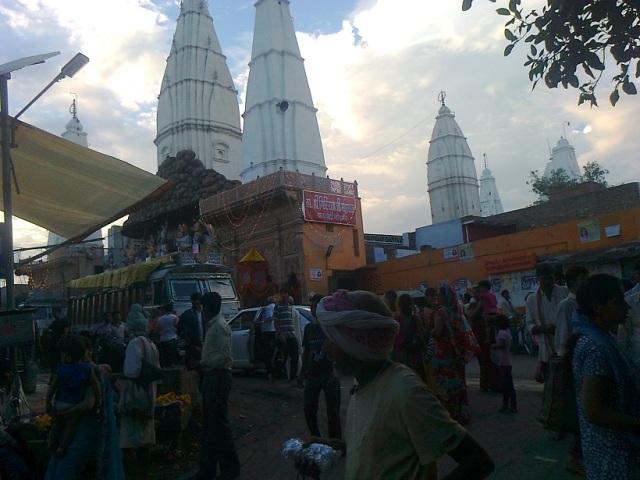 35. தான் தாம் - தானம் கொடுக்கும் கோவில்
