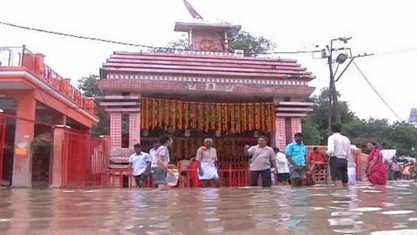 Bade Hanuman temple flooded