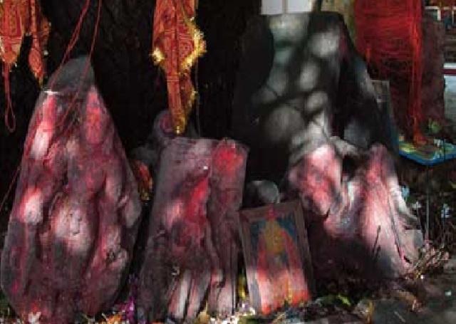 roken sculptures found in Mangala Gauri temple, Gaya