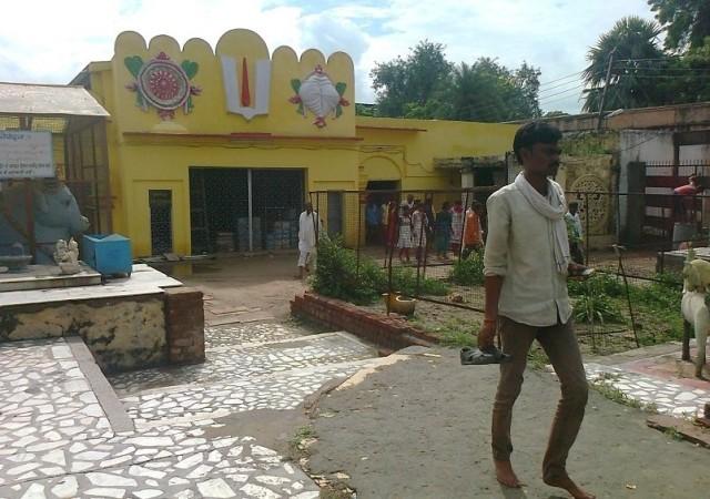 13. கோதா பிஹாரி.பின்புறம்