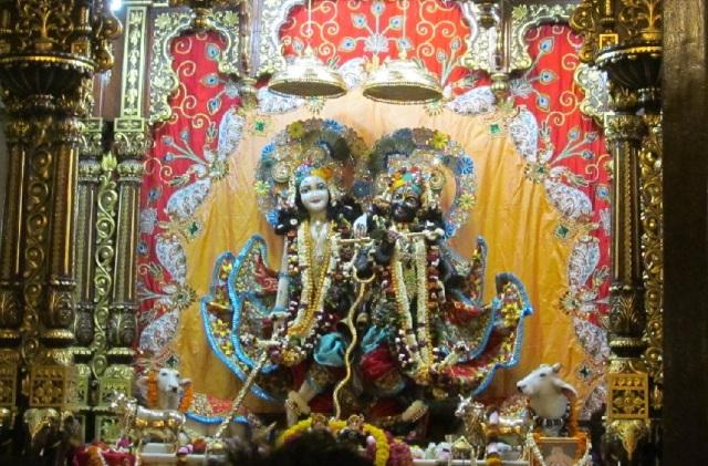 13. பங்கி பிஹாரி மந்திர்.விக்கிரகம்