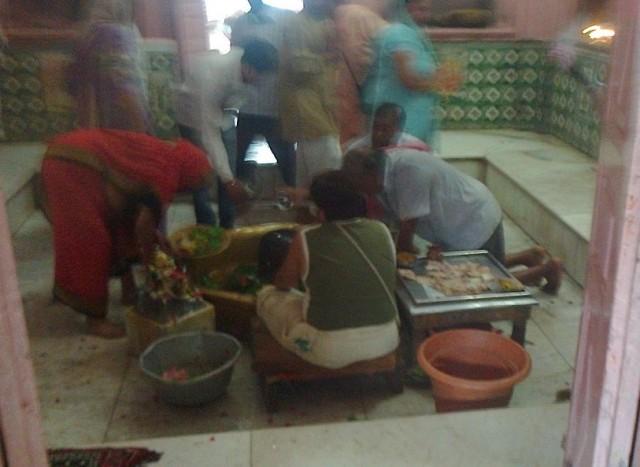 15. கோபேஸ்வர் - உள்ளே