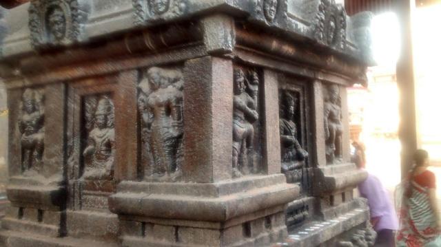 உடுப்பி - ஶ்ரீ அனந்தேஸ்வரர் கோவில் வாயில்.பீடத்தின் பக்கம்.3