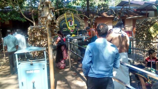 சௌதட்கா வினாயாகர் - கோவில் கட்டிடம் இல்லாத கோவில்