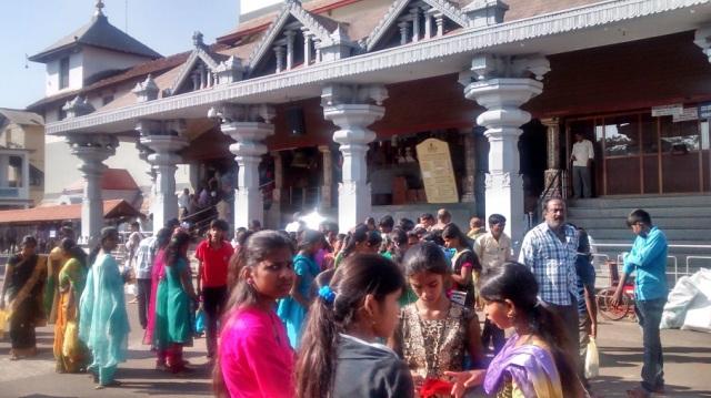 தர்மஸ்தலா - மஞ்சுநாத ஸ்வாமி - கோவில் வாசல்