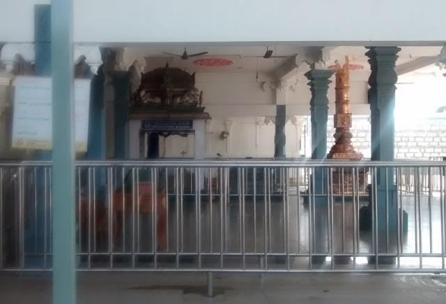 சுருட்டப்பள்ளி - கோவில் உட்புறம்- கொடிக்கம்பம், நந்தி