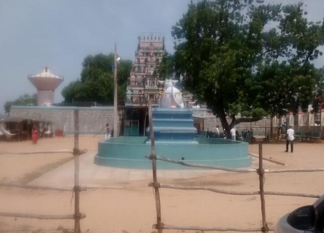 சுருட்டப்பள்ளி - கோவில் நுசழைவு வாயில் நந்தி