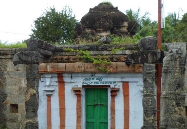 திருமுக்கூடல் கோவில் -கர்ப்பகிருகம் வாயில்