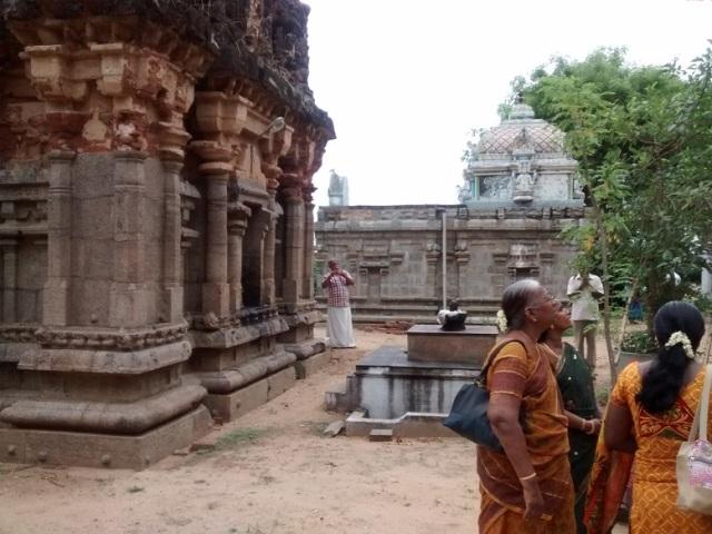 திருமுக்கூடல் கோவில் - வடகிழக்கு மூலையிலிருந்து பின்பக்கத் தோற்றம்.
