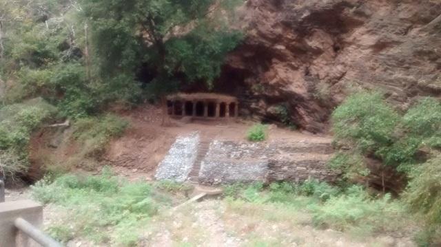durudu-mantap-on-lhs-side-of-the-bridge-road
