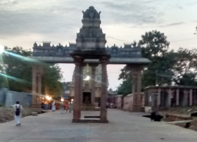lower-ahobilam-temple-entrance-small-mantap-with-four-pillars