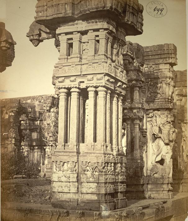 ranga-mandapam-in-destroyed-condition-sculptured-pillar