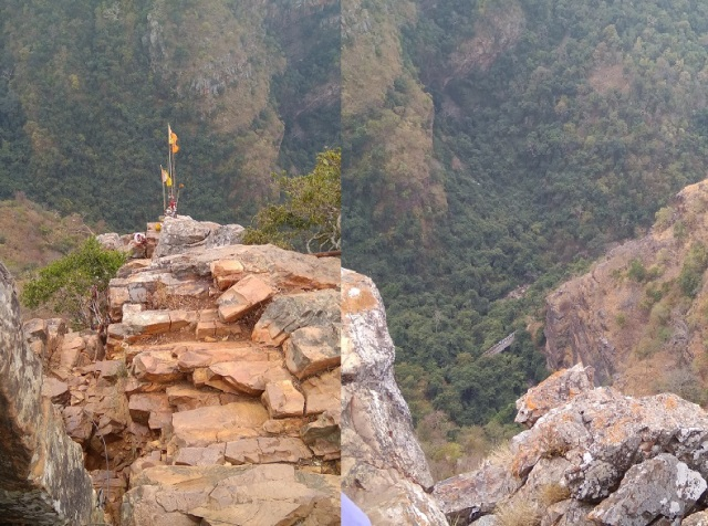 Ahobilam - Ukkira sthambam top and below