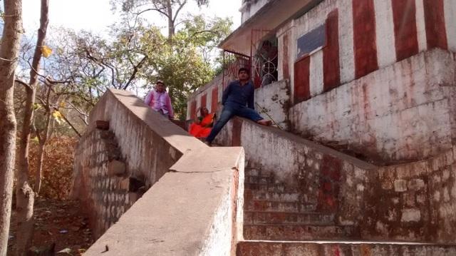 Bharhava Narasimha temple- nearing temple on the hillock