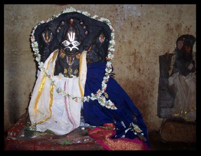 Pavana Narasimha - temple - Garba gruha-idol