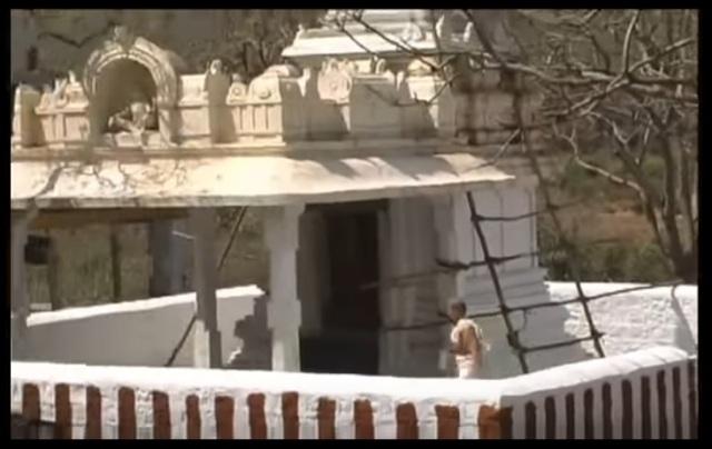 Yogananda Narasimha temple-old-Chaitanya