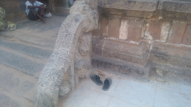 Baktajaneswarar temple -gopura-sculptured rail without steps.RHS