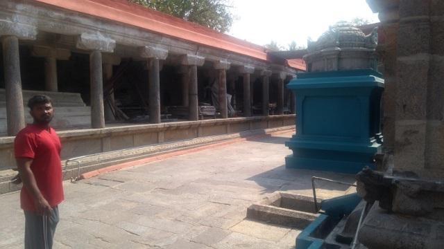 Baktajaneswarar temple -inner prakara.RHS