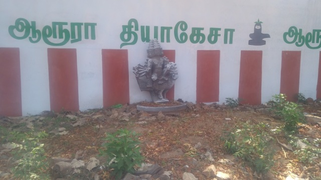 Baktajaneswarar temple -some sculptures found on RHS of the compound wall.4