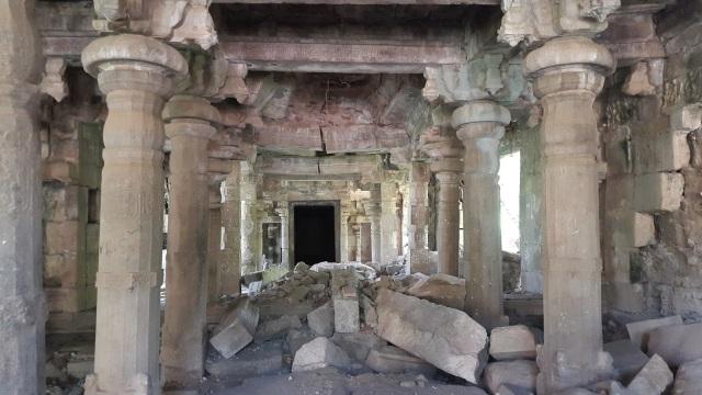 Sarabeswarar temple- Tukkatchi-broken mantap