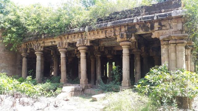 Sarabeswarar temple- Tukkatchi.pillared mantap