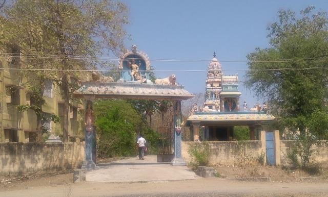 Ogaiyur temple entrance-1