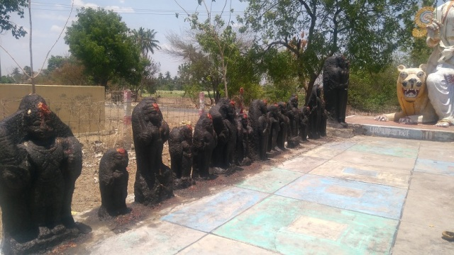 Pulikadiyan temple- Idols on LHS-2