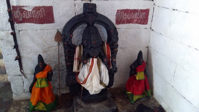 Kailasanathar temple, inside-Kartikeyan