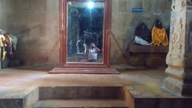 Thiruparaythurai - prakara - LHS
