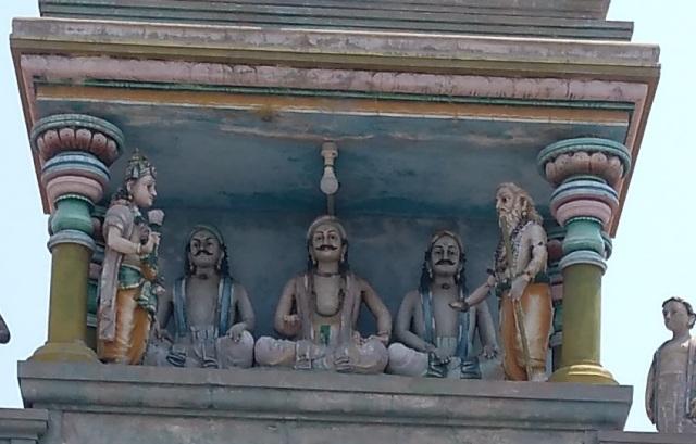 Thiruvennainallur temple - arguing with Siva