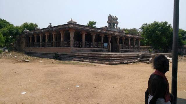 Thiruvennainallur temple - debate hall
