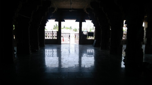 Thiruvennainallur temple - debate hall.outside view