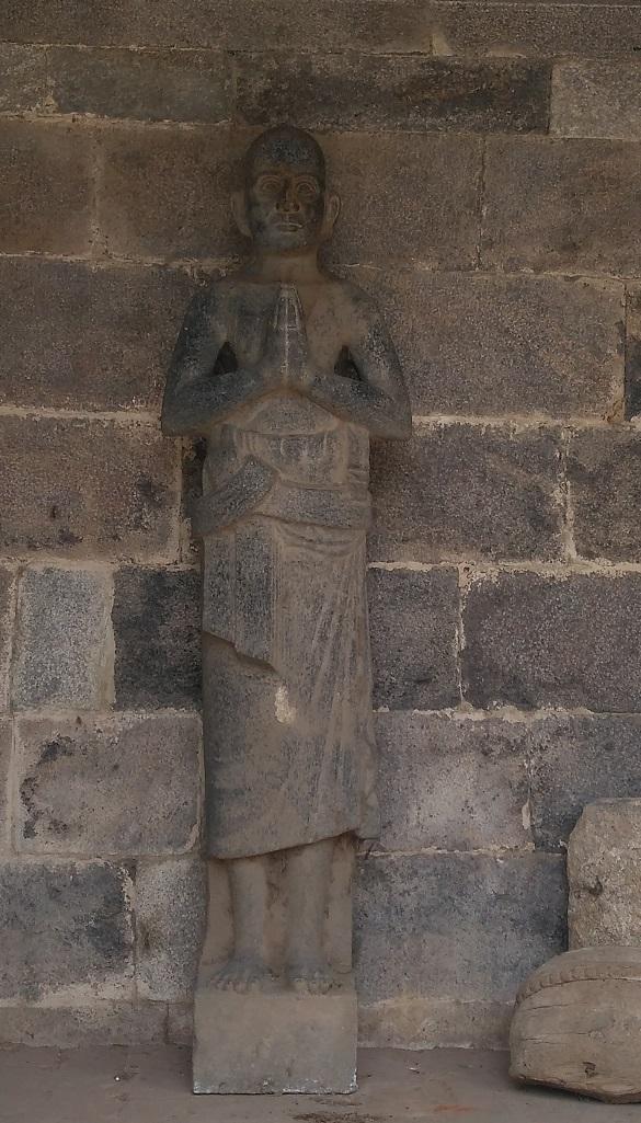 Thiruvennainallur temple - statue